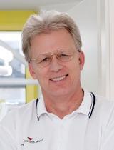 Dr.  Michael Schwarz